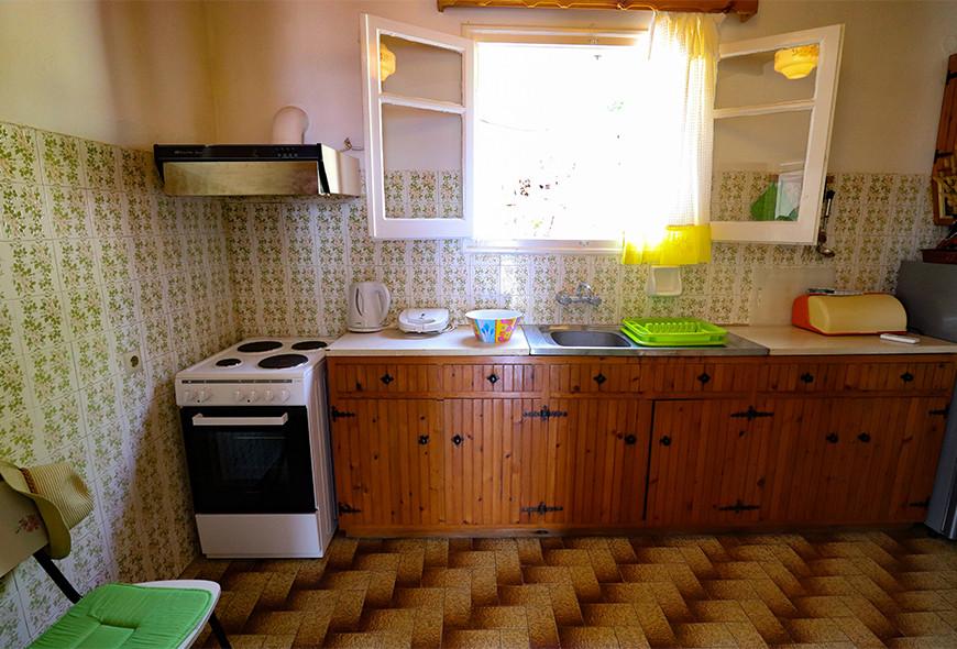 Antigoni Apartments Kassiopi Corfu Greece Oven