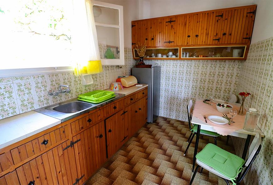 Antigoni Apartments Kassiopi Corfu Greece Table