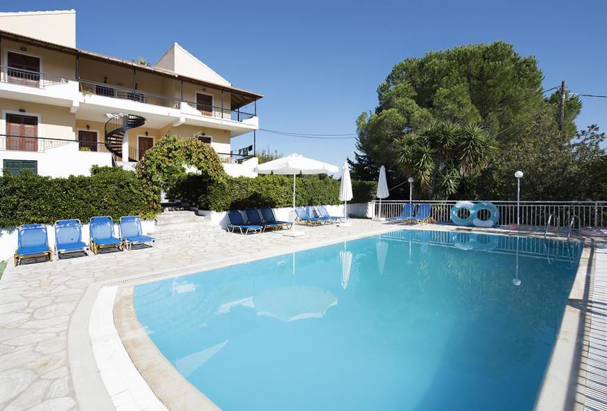 Cochelli Villas Avlaki Kassiopi Corfu Pool Exterior