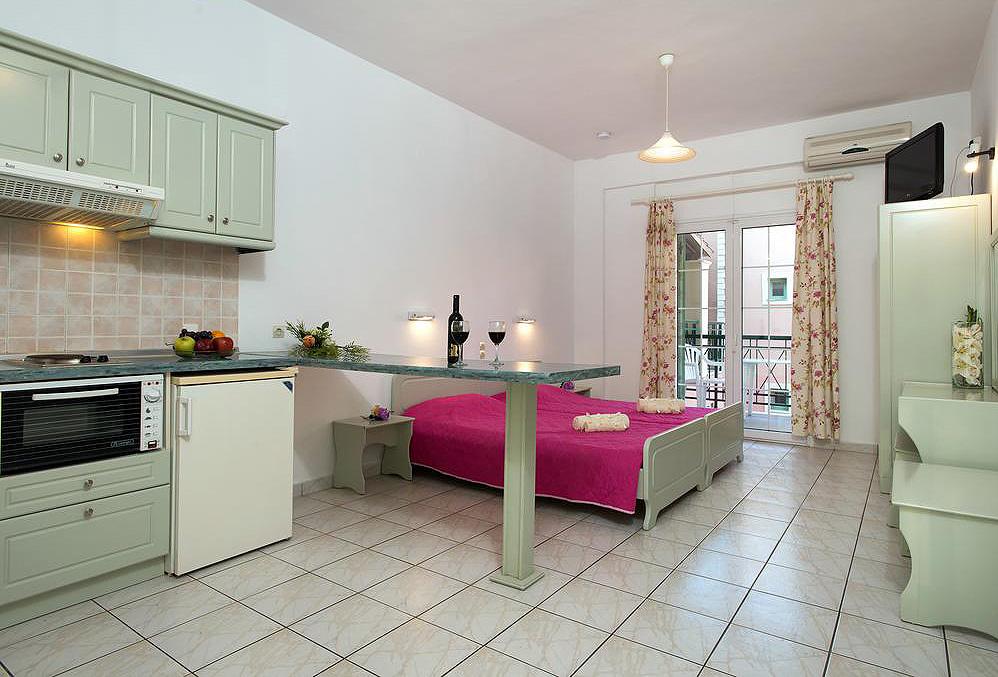 Philippos Apartments Twin Room Kassiopi Corfu Greece