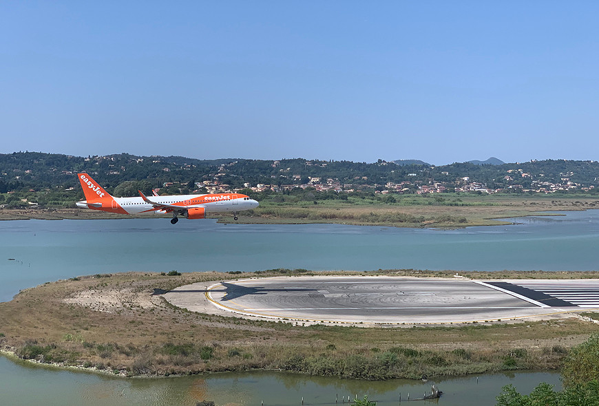 Easyjet Landing Corfu Greece Sea