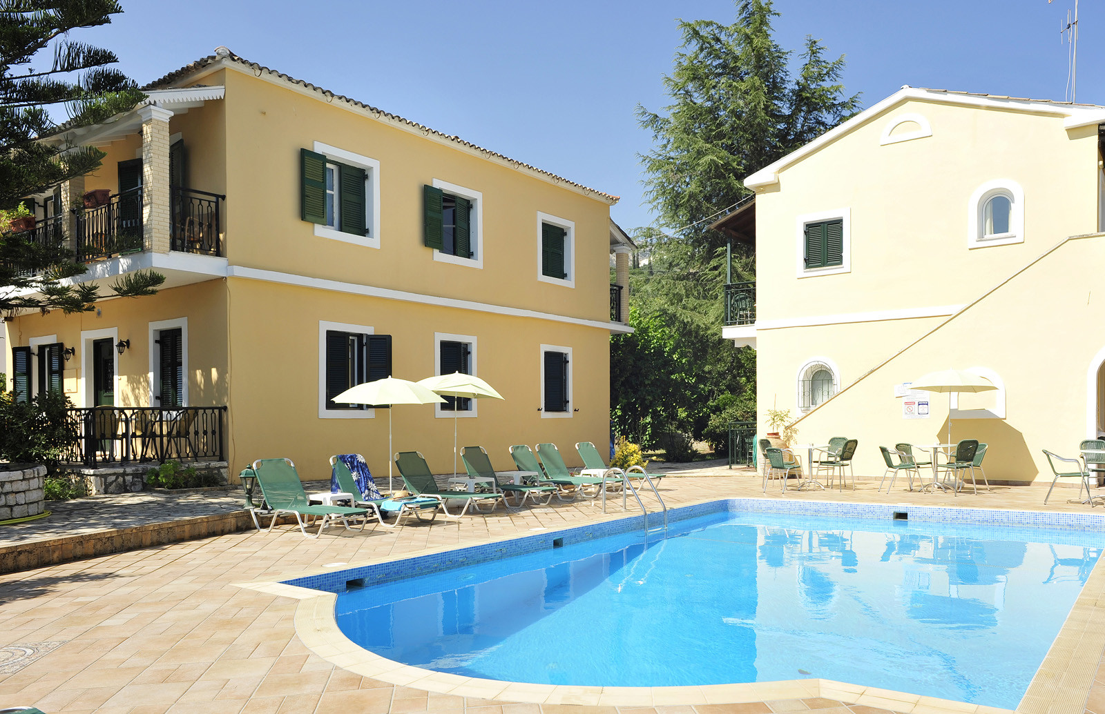 Ariti Apartments Pool Kassiopi Corfu Greece